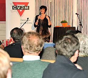 Nicola Vollkommer beim CVJM in Dettingen